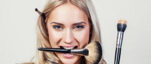 Makijaż dla opadającej powieki – poznajmy porady oraz triki