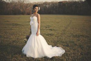 Ślubna sukienka syrena – co powinniśmy wiedzieć o tym fasonie?
