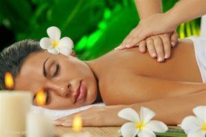 Na czym polegają masaże Lomi Lomi?