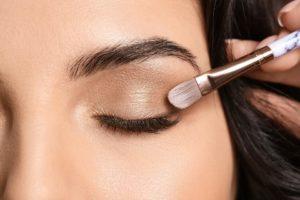 Makijaż dla początkujących krok po kroku – to naprawdę nie jest trudno